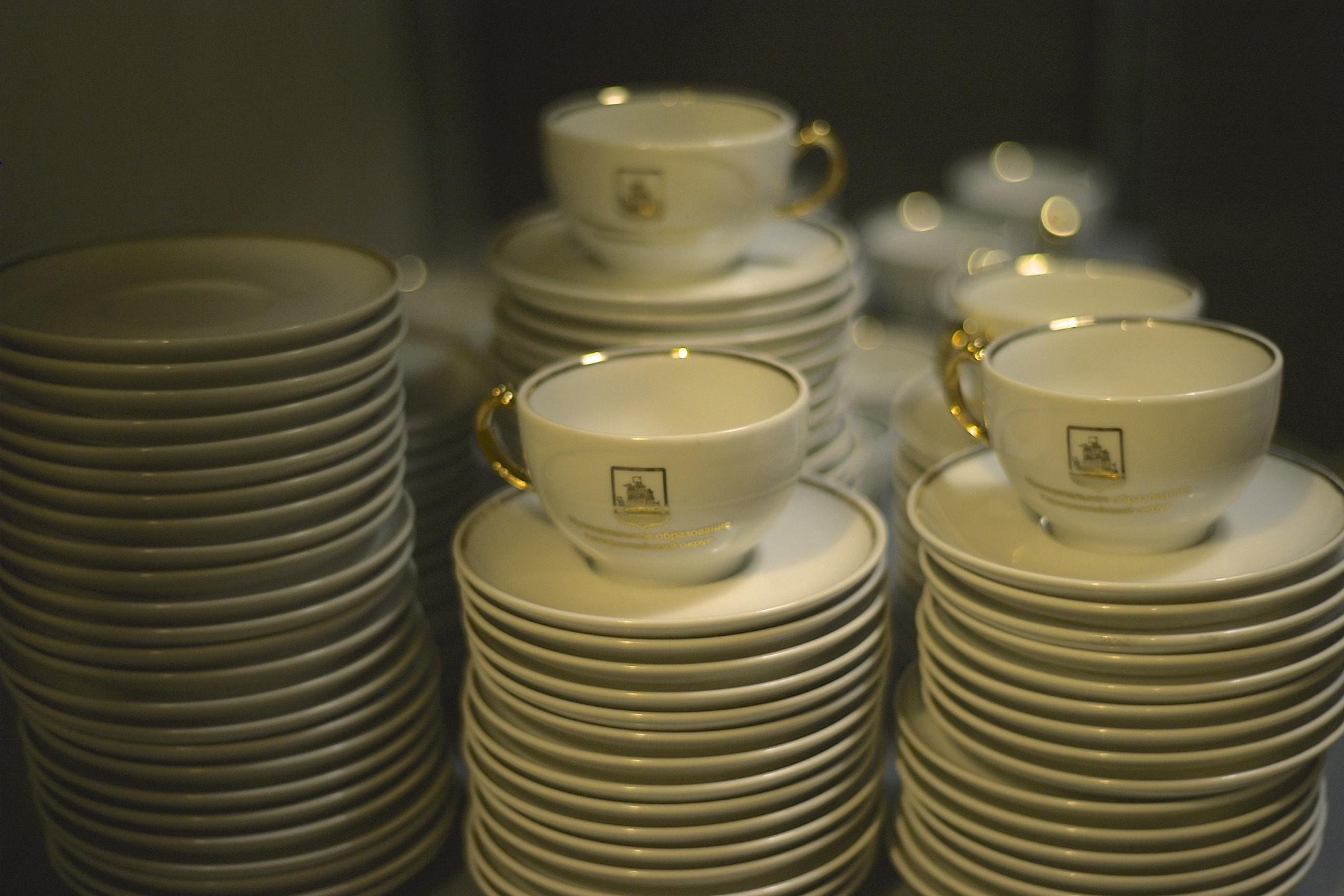 Золочение и роспись посуды
